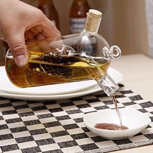 Recipient oliviera din sticla 2 in 1 Pufo pentru lichide, ulei, otet, 360 ml, forma strugure, transparent