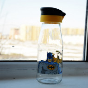 sticla apa cu personaj animat