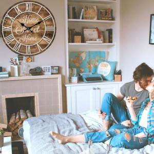 Ceas decorativ de perete mare cu cifre romane, model Pufo Sweet Home, 34 cm