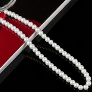 Colier de dama scurt cu perle acrilice albe, model White gravel