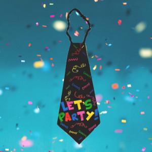 Cravata petrecere Let's party cu litere colorate, Pufo