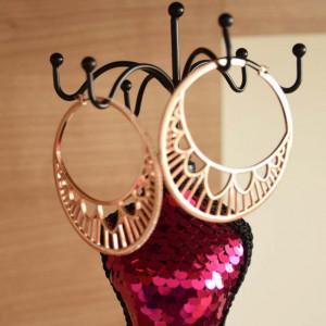 Set cercei rotunzi, model Shiney bronze, cu pietricele