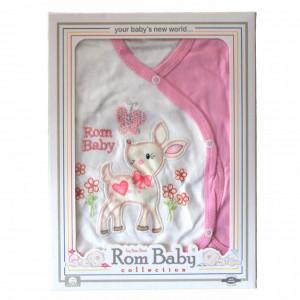 Set nou nascuti 0-3 luni 100% bumbac din 5 piese: pantaloni cu botosel, bluzita cu capse, bavetica, caciulita, manusi, model alb/roz cu caprioara vesela