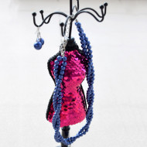 Suport de bijuterii elegant 31 cm, model manechin cu paiete roz