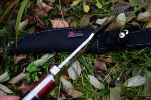 Cutit de vanatoare 30.5 cm, full tang, design deosebit, teaca inclusa
