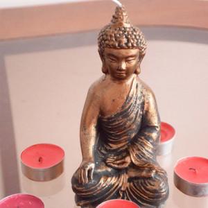 Lumanare decorativa Pufo Buddha Bronze, 15 cm