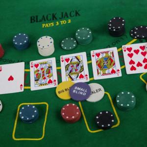 joc adulti carti
