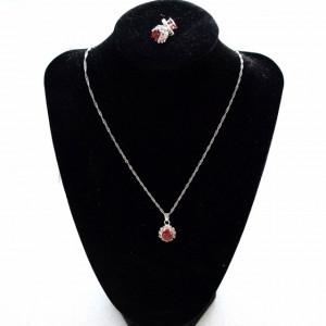 Set elegant argintiu, cercei si pandantiv cu piatra rosie, Red Passion