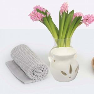 Vas din ceramica pentru aromaterapie Pufo, model clasic, alb