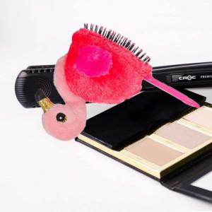 Perie de par pentru copii Pufo Baby Pink cu jucarie roz, 18 cm