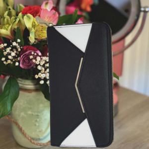 Portofel elegant de dama in doua culori, negru cu alb