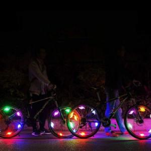 lumini la bicicleta