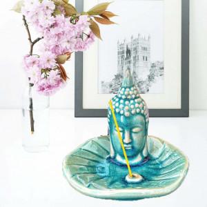 Suport din ceramica Pufo pentru betisoare parfumate, model Buddha, verde
