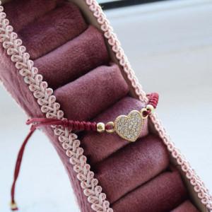 Bratara eleganta ajustabila cu snur si pandantiv Pufo in forma de inima cu pietricele albe, Heart Gold