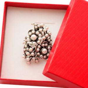 Brosa dama eleganta, model perle acrilice, Pearls bouquet, argintiu