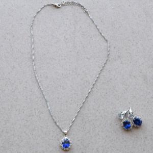 Set elegant argintiu, cercei si pandantiv in forma de lacrima, Royal blue tears
