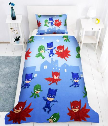 Poze Lenjerie de pat copii Eroii in pijama 2 fundal albastru