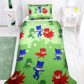 Lenjerie de pat copii Eroii in pijama 2 fundal verde