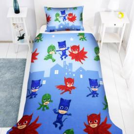 Lenjerie de pat copii Eroii in pijama 2 fundal albastru