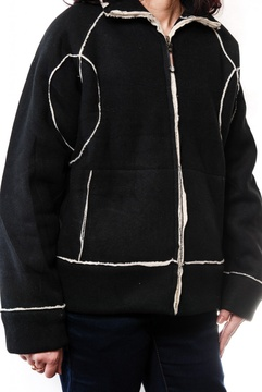 Jacheta neagra cu blanita