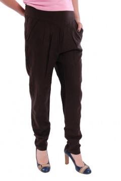 Pantaloni maro cu pense