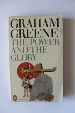 Poze Graham Greene - The power and the glory