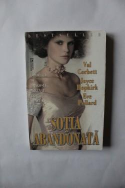 Val Corbett, Joyce Hopkirk, Eve Pollard - Sotia abandonata