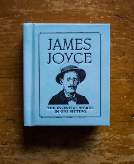 Poze James Joyce - The essential works in one sitting (editie hardcover, format liliput)
