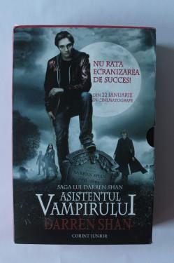 Darren Shan - Asistenul vampirului (Circul ororilor, Ucenicul vampirului, Tunelele sangelui) (3 vol., in caseta speciala)
