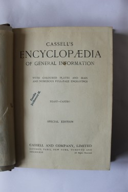 Poze Cassell`s Encyclopaedia of general information (vol. 2, Beast-Castro) (editie hardcover in limba engleza)