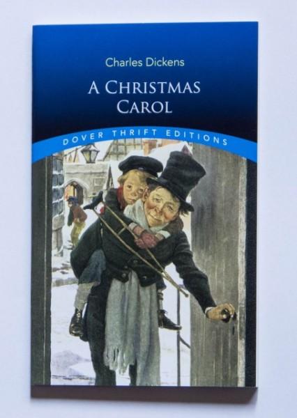 Charles Dickens - A Christmas Carol (editie in limba engleza)