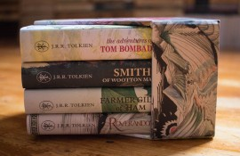J.R.R. Tolkien - The Tolkien Treasury: Roverandom, Farmer Giles of Ham, The Adventures of Tom Bombadil, Smith of Wootton Major (4 vol. in caseta speciala, editii hardcover, in limba engleza)