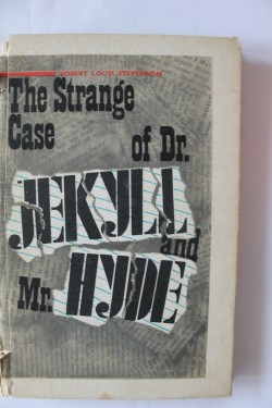 Robert Louis Stevenson - The strange case of Dr. Jekyll and mr. Hyde (editie hardcover)