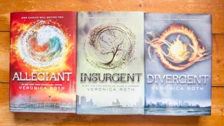 Veronica Roth - The Divergent Series (Divergent. Insurgent. Allegiant) (3 vol., editie hardcover)