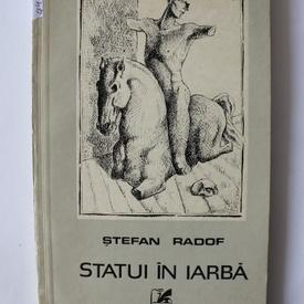 Stefan Radof - Statui in iarba