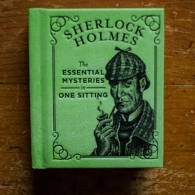 Sherlock Holmes: The essential mysteries in one sitting (editie hardcover, format liliput)