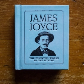 James Joyce - The essential works in one sitting (editie hardcover, format liliput)