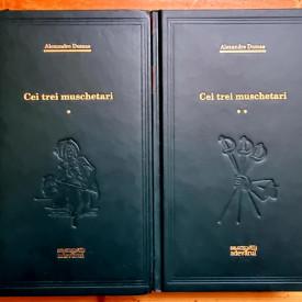 Alexandre Dumas - Cei trei muschetari (2 vol., editie hardcover)