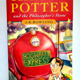 J. K. Rowling - Harry Potter and the Philosopher`s Stone (editie in limba engleza)