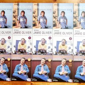 Jamie Oliver - Bucatarul se dezbraca de... secrete. Intoarcerea bucatarului care se dezbraca de... secrete. Zile minunate cu bucatarul care se dezbraca de... secrete (15 vol.)