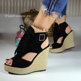 Sandale cu platforma Fever