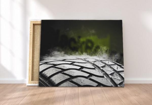 Tablou canvas - Hot tire