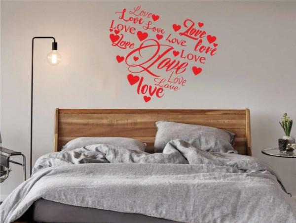 Love scris in forma de inima