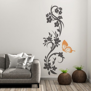 Ornament floral cu fluture