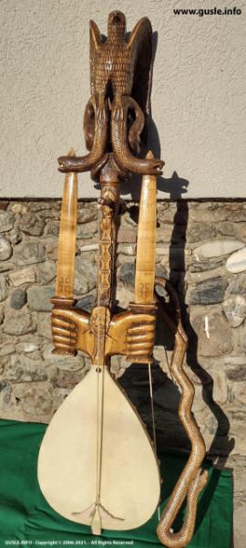 Gusle - Rustik Mač 001 - Njegoš, grbovi, Kosovka devojka