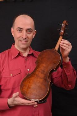 Violina, majstorski ručni rad - (4/4) - stara 180 godina