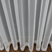 Zavesa til bela sa čipkom