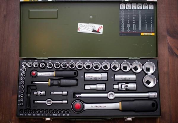 "Slika PROXXON INDUSTRIAL Germany - Profesionalni industrijski komplet 1/2"" + 1/4"" gedora iz 56 delova u metalnoj kutiji"