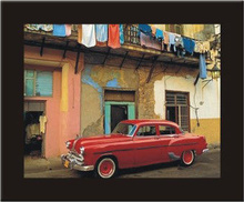 Kuba retro crveni automobil, uramljena slika