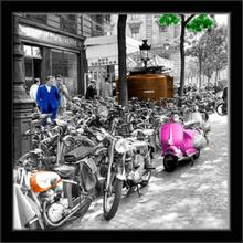 Pink Vespa, 30x30, uramljena slika